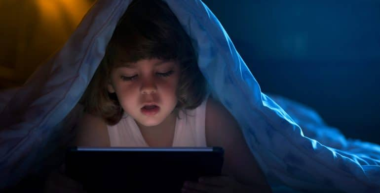 child up late with screen